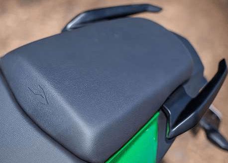 Мотоцикл Bajaj Dominar 400 2019 (3).png