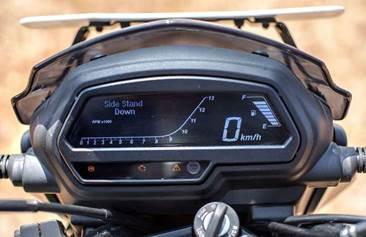 Мотоцикл Bajaj Dominar 400 2019 (11) новинка